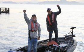 天気は大荒れもテンションMAX! バス・フィッシング愛が止まらないIWGP王者、憧れの琵琶湖に初アタック