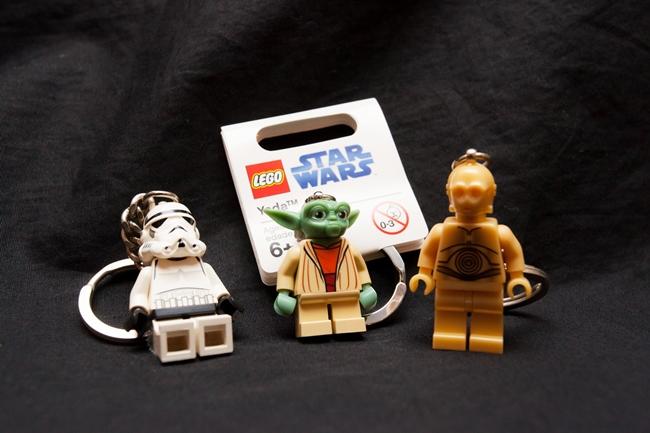 ↑ファンならおなじみのレゴのキーホルダー。STAR CASEにはすでに販売が終了してしまったものも! ストームトルーパー、ヨーダ、C-3POは特に女性に人気。各972円
