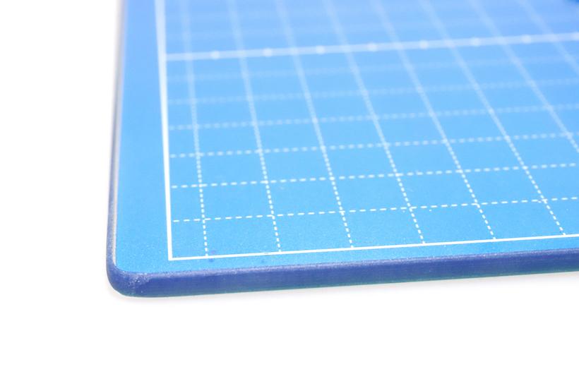 ↑耐熱硬化ガラス製なので、ヒートカッターや超音波カッターにも使用可