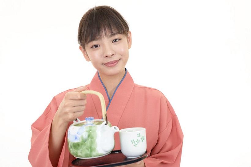 90853566 - a japanese restaurant waitress