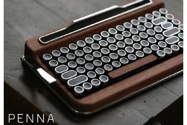 出典画像:「レトロな雰囲気。なのにデジタル。タイプライター風ワイヤレスキーボード『PENNA』」Makuakeより