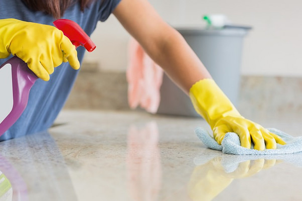 出典画像:Elaine Smith / Bond cleaning (from Flickr, CC BY 2.0)※画像はイメージです