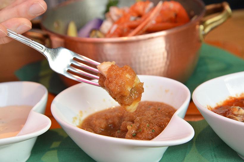↑<ソース3>和シャリアピン。ステーキなどによく用いられるシャリアピンソースをアレンジ