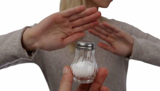 外食で塩分を減らす3つのコツ