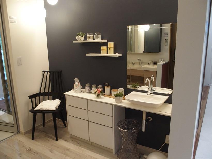 ↑洗面台もおしゃれで余裕のある使いやすいものを提案
