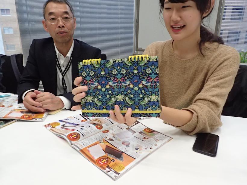 ↑カール事務器のカレンダー手帳は、自らリングなどをカスタムしたもの