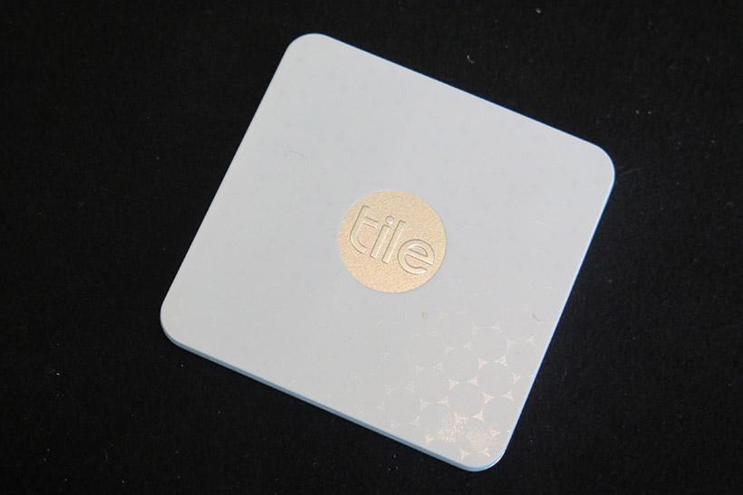 ↑クレジットカード2枚分くらいの厚さの「TILE SLIM」(3480円)