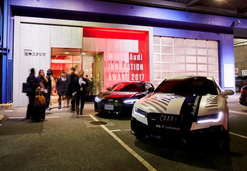 同アワードの授賞式およびレセプション会場となった東京港区の海岸スタジオには、エントランスにアウディR8とRS 7コンセプトが展示され受賞者やゲストを出迎えた。