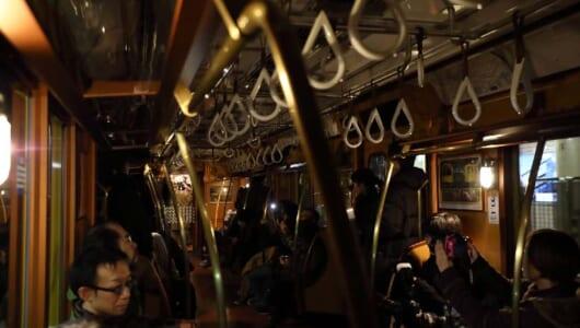 地下鉄の車内照明が真っ暗に? 懐かしき日々に思いを馳せる「銀座線タイムスリップ」の旅
