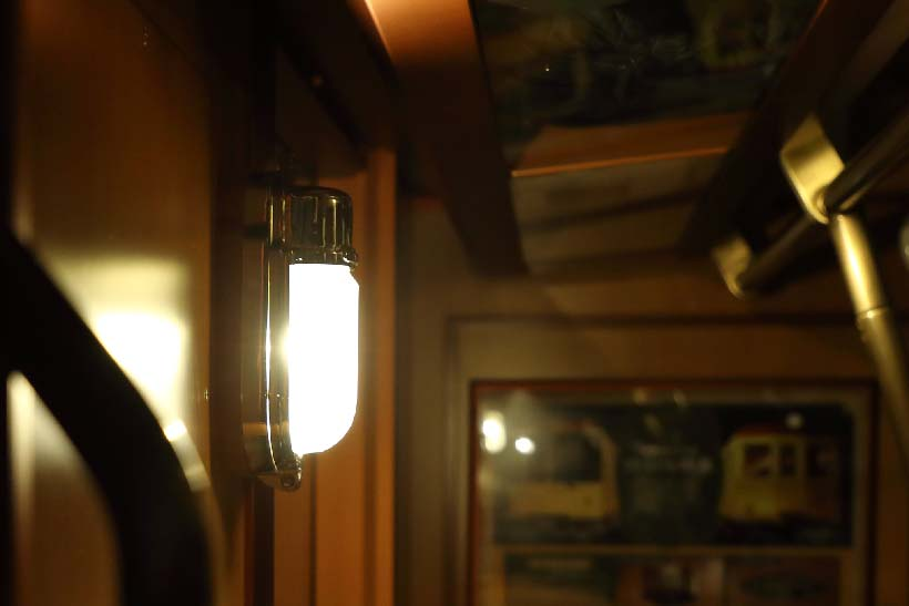 """↑浅草駅から渋谷駅にかけて予備灯が計14回、点灯された。点灯した場所は、ほぼ古い車両と同じ場所で起こるように""""設定""""された"""