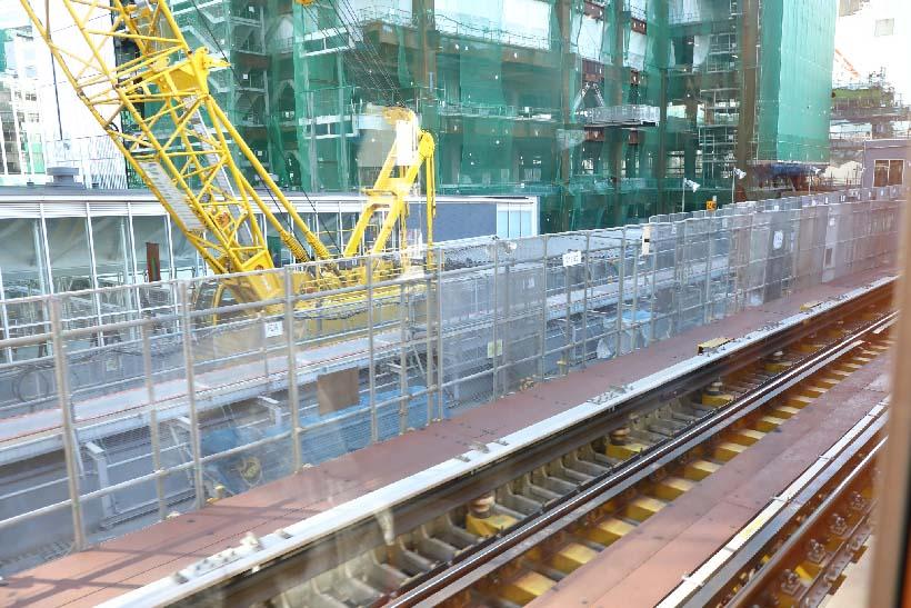↑浅草〜渋谷間で唯一、外を走る渋谷駅近くで。駅の再開発工事が進み、2021年には現在の渋谷駅よりも130mほど表参道駅側の、明治通りの上にホームがずれる予定だ