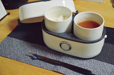 ↑炊飯容器では湯沸かしも可能。インスタント味噌汁を作るといった使い方も◎