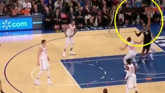 NBAで驚きの「珍スリーポイント」!あまりのことにレフェリーも見逃す