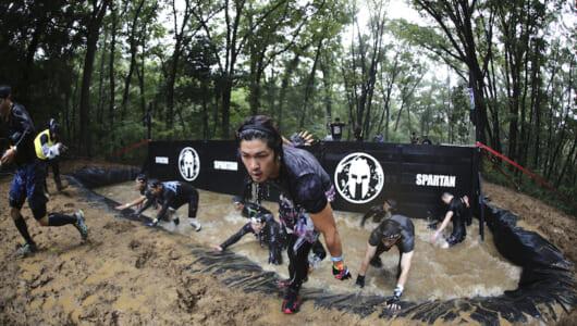 大人が夢中で泥遊び! リーボック スパルタンレースが日本で再び開催