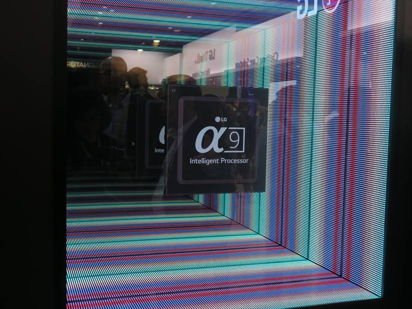 ↑液晶テレビの画質を向上させるための新しいプロセッサ「α9」も発表