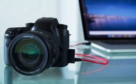 ニコンが最初に発売したデジタル一眼レフカメラ、知ってる?