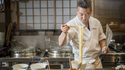 神奈川最西端の研ぎ澄まされた職人技で麺まで香り立つラーメン「飯田商店」――サニーデイ・サービス田中貴とRockなRamen