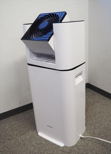 ↑本体サイズは幅287×奥行き234×高さ640mmと、設置面積はほぼA4サイズなので、クローゼットや洗面所などの狭いスペースにも置けます。参考価格は2万4800円(税別)