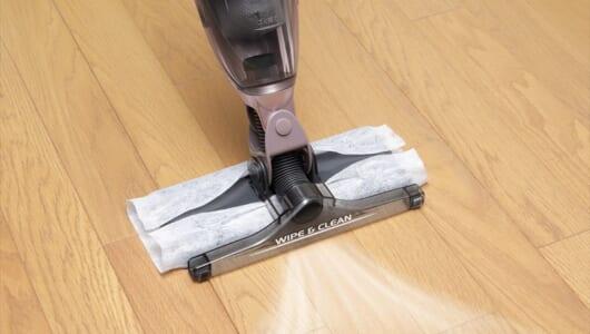 この「アナログ感」が逆に新しい! 吸い込んでふき取るシャープ「コードレスワイパー掃除機」が登場