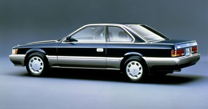 1986年にデビューした2代目レパード。同じく86年に放送されたドラマ『あぶない刑事』の劇中車として知名度を上げた