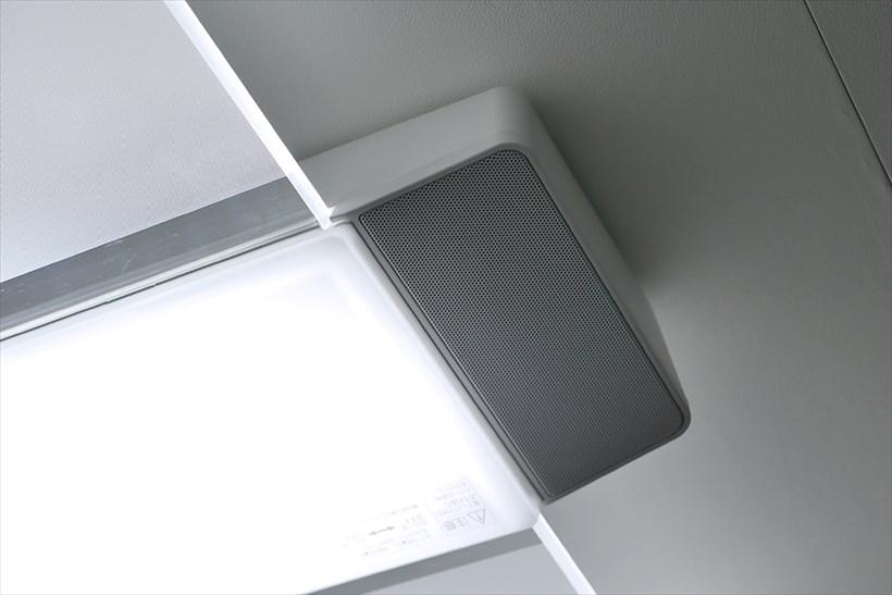 ↑AIR PAMEL LED 角型タイプの形をベースに、高音質のスピーカーを搭載