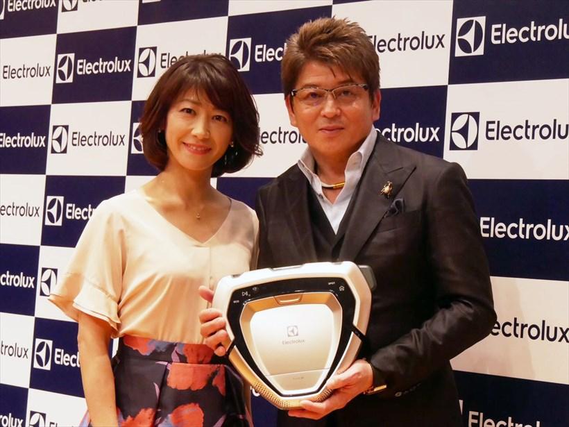 ↑哀川翔さんと高田真由子さんもロボット掃除機の性能に驚いていました