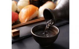 日本酒をさらにおいしく飲むために手びねりで「マイぐい呑み」を作ろう!