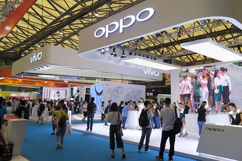 ↑昨年6月に上海で開催された「Mobile World Congress Shanghai」では、OPPOとVivoが並んで出展し、来場者の注目を集めていた。OPPOは、2016年に中国市場での年間出荷台数で1位を獲得し、2017年第3四半期のスマホの出荷台数調査報告でアジアで1位、グローバルで4位にランクインしている