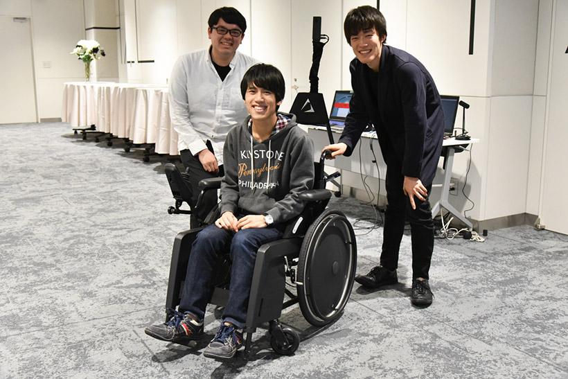 ↑左から高澤氏、橋爪氏、鈴木氏。鈴木氏は国内第5位のReverseCAVE開発にも参加