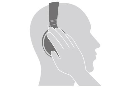 ↑右のハウジングにタッチするだけで外の音を録りこめる「ボイススルー機能」を搭載