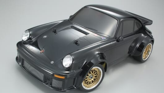 '77年に登場した記念モデル「ブラックポルシェ」をイメージした電動RCカーが発売!