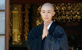 木村佳乃が『相棒』で人生初の剃髪姿「見かけは三蔵法師みたいで面白い」