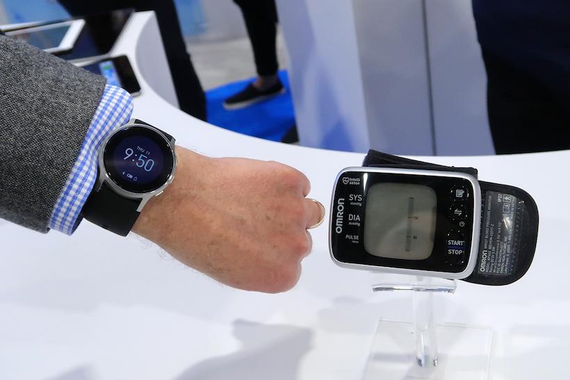 ↑そんな血圧計が、腕時計サイズになりました