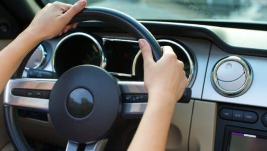"""運転中に消し忘れた自宅のエアコンをオフに――「AI音声アシスト」で訪れるクルマの""""現実的な""""未来"""