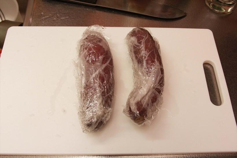 ↑サツマイモはキッチンペーパーで包んで水に濡らし、さらにラップで包んでから電子レンジへ