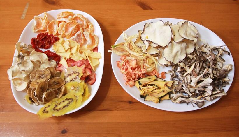 ↑トマト、ミカンはまだ水分が残っています。リンゴも若干しっとり。野菜は総じてパリパリです。美味しかったのはミカン、リンゴ、イチゴ、トマト、バナナ、タマネギ、ニンジン