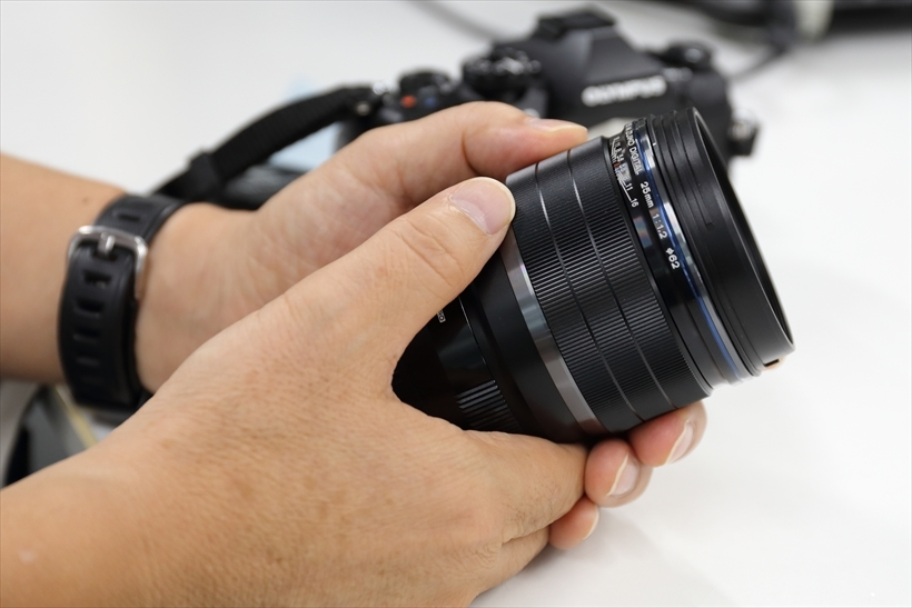 ↑高価な一眼用交換レンズは、常用するのでなければ購入のほかレンタルするのもコスト面でのメリットは多い