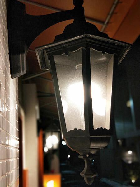 ↑ポートレートモードで撮影。ランプのまわりがぼけて、ランプの光が印象的な仕上がりになった