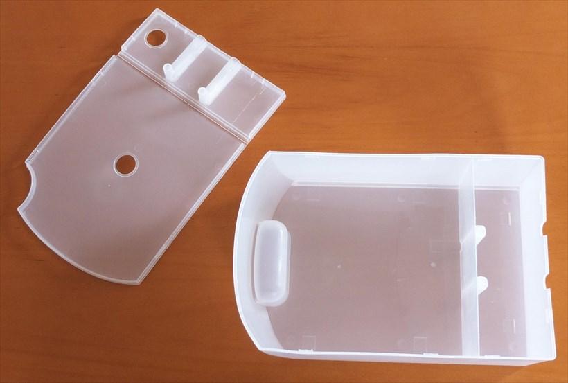 ↑排水タンクのふたを外して、中までしっかり洗います