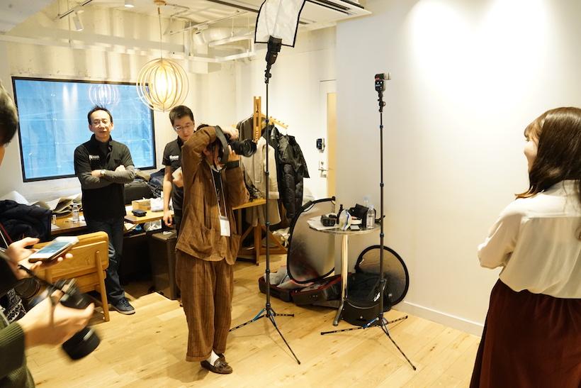 ↑ストロボメーカーの「ニッシンデジタル」によるリモート発光の体験も催されていました
