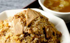 【街中華の名店】何を食べても全部がウマい大山の「丸鶴」! しっとり炒飯、レタス炒飯、担担麺すべてが最高だ