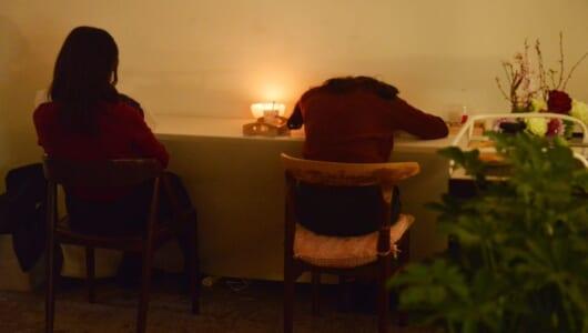 【3/25まで】仮眠なら200円! 睡眠負債を解消できる「極楽カフェ」が開催中