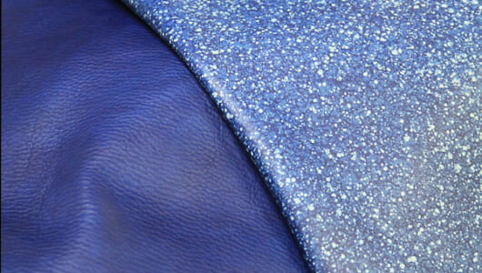 【革の知識】純国産皮革素材「スクモレザー」は知らないと損! 藍色のグラデで世界を魅了