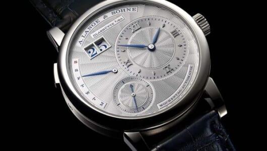 銀座ブティック10周年記念限定モデルは緻密なギヨシェに青の組み合わせが見事なランゲ1