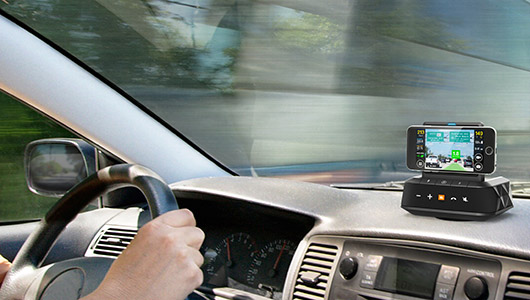 スマホをナビやドライブレコーダーとして使える! JBLの車載用Bluetoothスピーカー「JBL SMARTBASE」