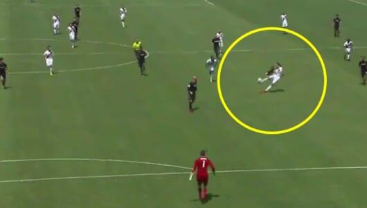 イブラヒモヴィッチ、MLSデビュー戦で神になる!「伝説的2ゴール」を見逃すな