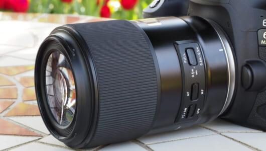 カメラ界の生ける伝説!! プロが愛してやまないタムロン「90mmマクロ」の魅力とは?