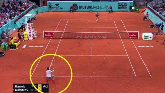 196cmの大男がまさか! テニスのマスターズで飛び出した「可愛すぎるリターン」を見よ