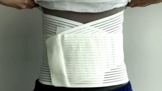 ぎっくり腰2日目のリアル患者が緊急レビュー! 腰サポーターはクシャミを許してくれるのか?