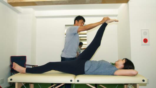 「筋膜」をほぐすだけで身体はここまで柔らかくなる! 最新ストレッチを体験してみた